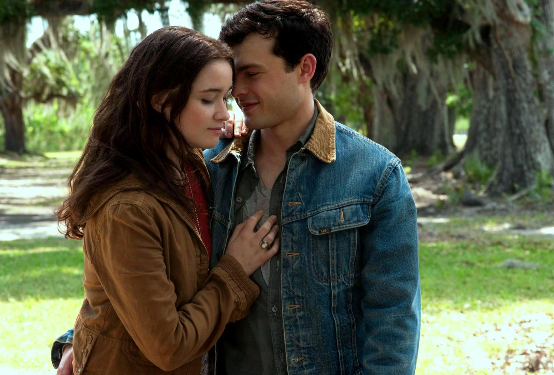 Beautiful Creatures - Flick Minute Flick Minute